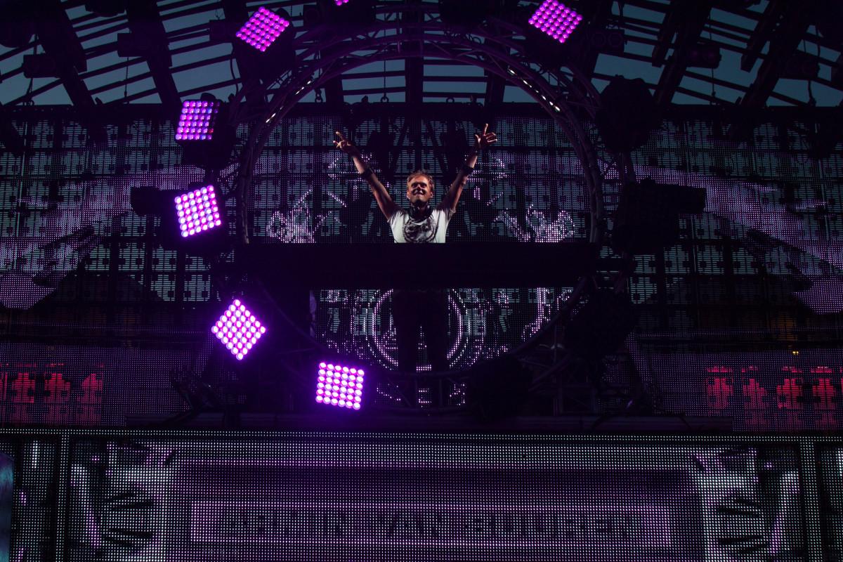 DJ Armin Van Buuren, Ushuaïa